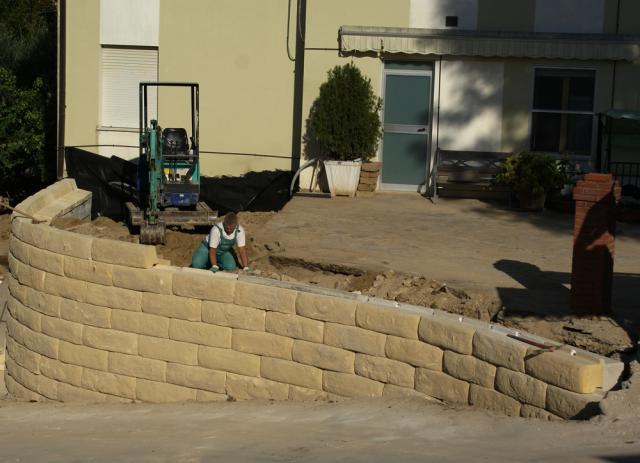 Edilblok ecoblocco palatino muro fiorito for Disegni di blocchi di cemento casa